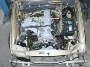 Mercedes W111 280SE Coupe, Komplettierung Motorraum