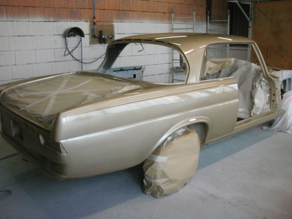 Mercedes W111 280SE Coupe in Tunisbeige-Metallic DB462