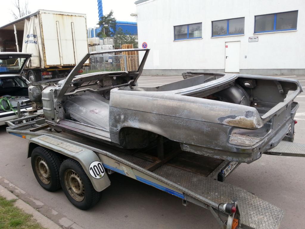 Mercedes R107 350SL chemisch entlackt